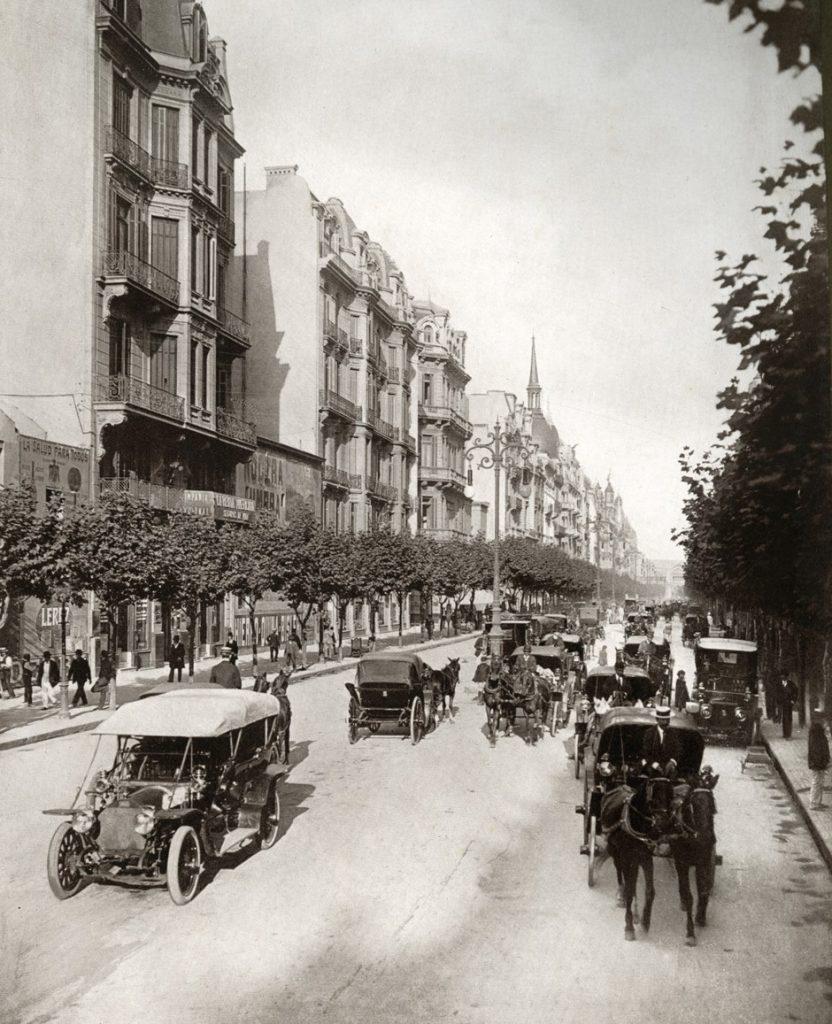 Die Avenida de Mayo in Buenos Aires im Jahr 1920(Quelle: Biblioteca Digital Trapalanda der Biblioteca Nacional Argentina)